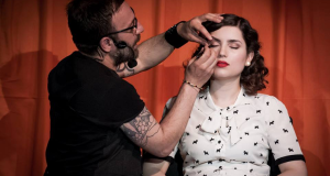 happy hour con make up Benefit Cosmetics a Roma