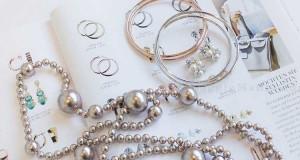 vinci collana di perle Variety e abito Pierre Lang