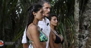 vinci l'Isola dei Famosi con Tezenis