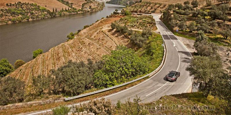 vinci viaggio on the road con AVIS