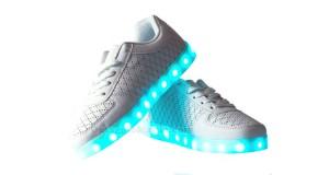 scarpe Lesara con motivo LED