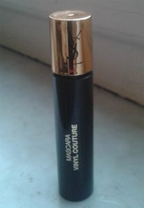 mascara Vinyl Couture Yves Saint Laurent di Daniela