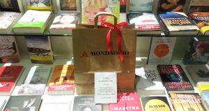 pacco di libri Mondadori