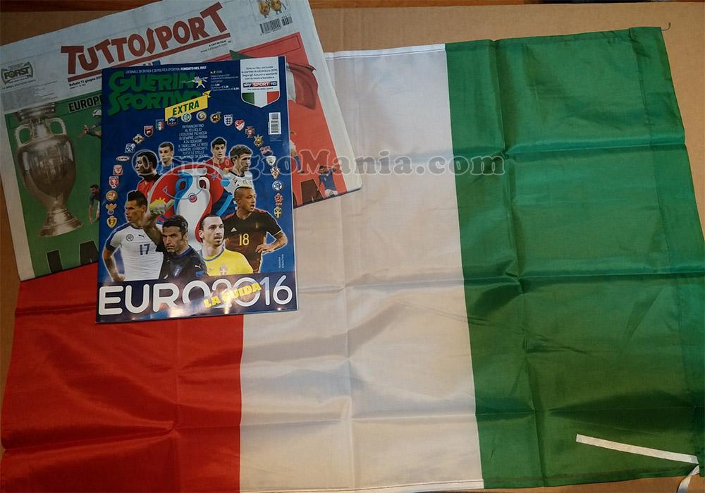 bandiera Italia omaggio con Tuttosport di Roberta