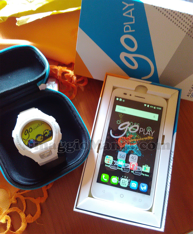 smartwatch GoWatch e smartphone GoPlay Alcatel con Regina di Stefy 3080
