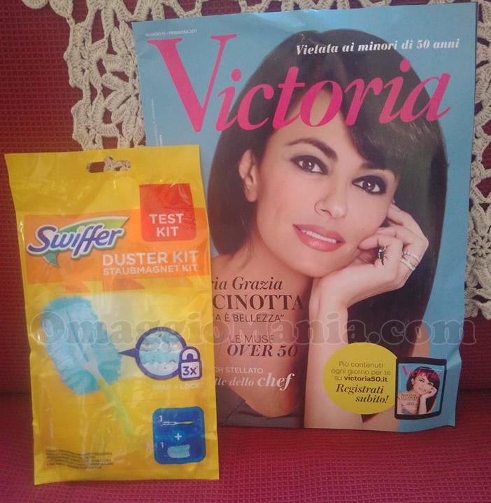 rivista Victoria di Giorgia con campione omaggio Swiffer Duster Kit