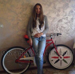 bicicletta Coca-Cola e Tatiana