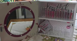 kit Essence Gloss Station di Francesca