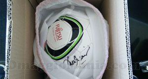 pallone Fujitsu firmato da Franco Baresi vinto da Dominik