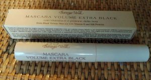 mascara volume extra black Bottega Verde di Giulia