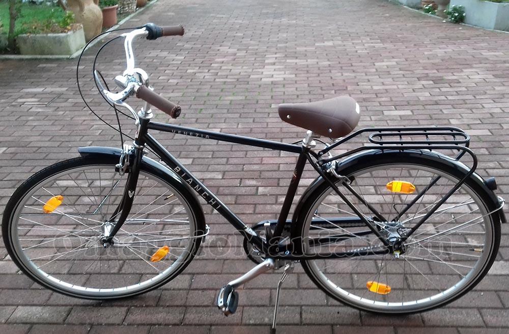 bicicletta Bianchi di Emanuela con Lavazza