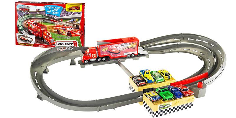 pista Cars Mack