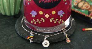 candela Jewel Candle Halloween + bracciale con charm in argento